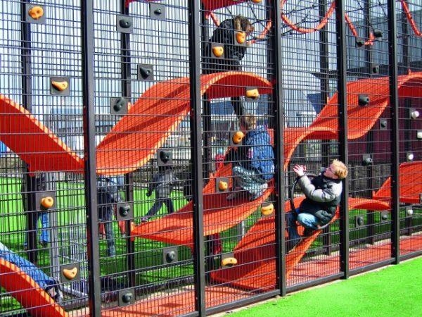Playground Wallholla from Lapset