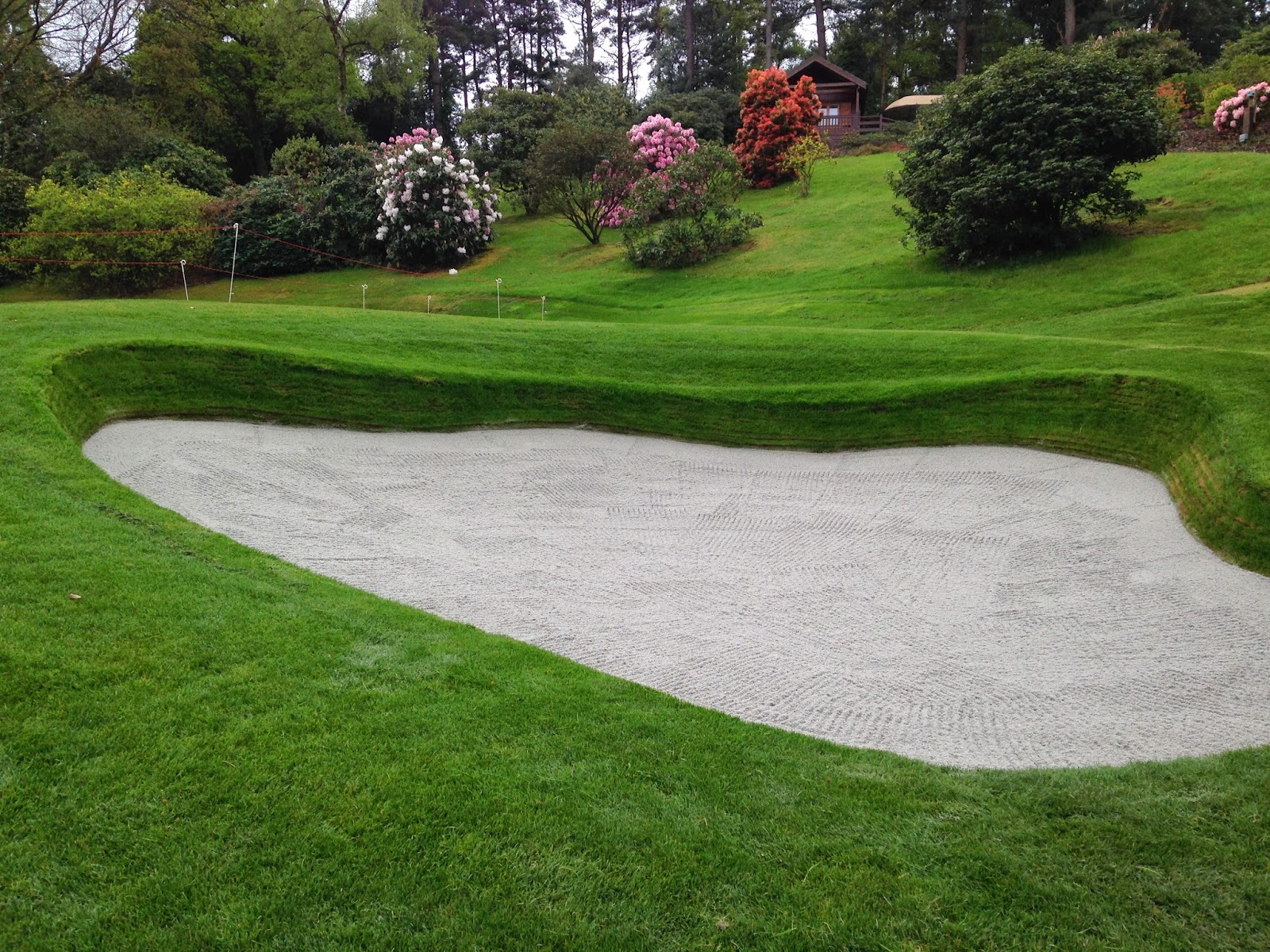 Golf bunker with liner
