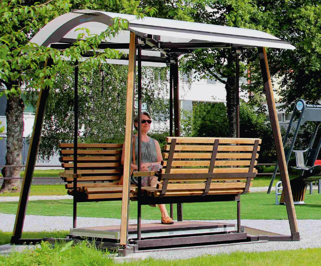 oasis safety swing chair for inclusive playground