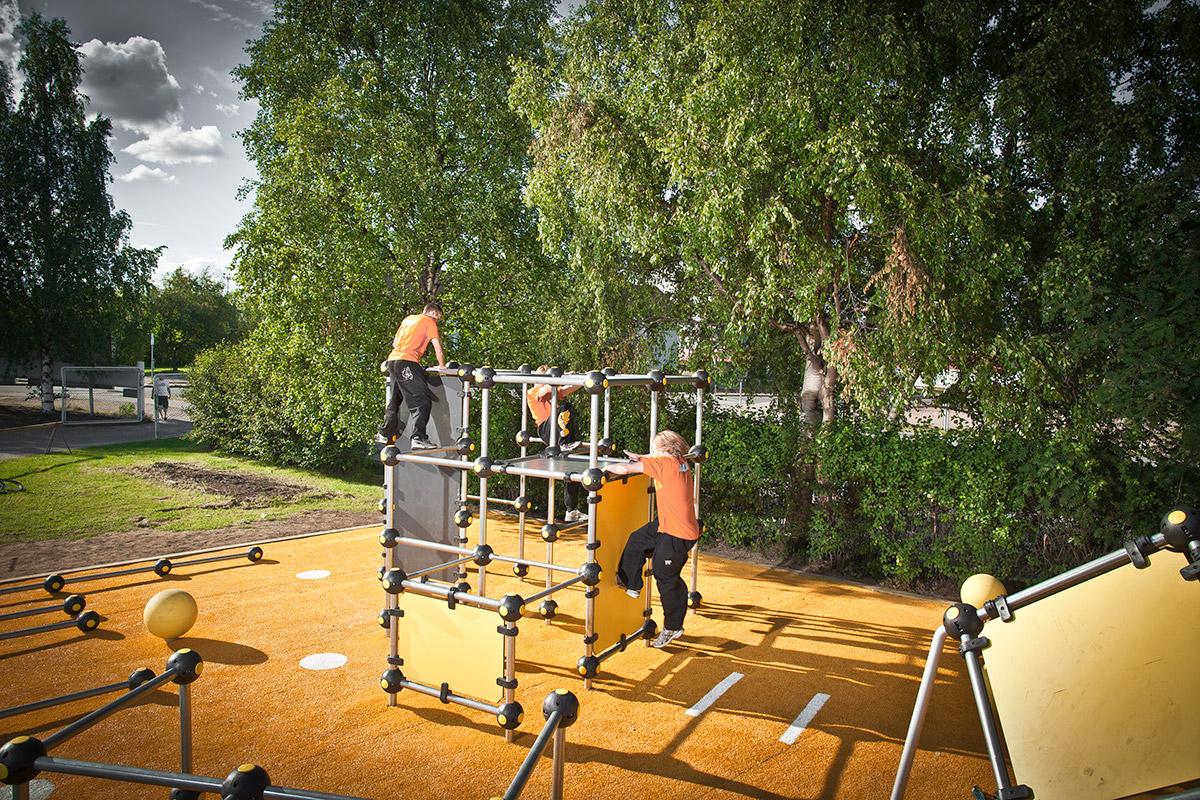 cloxx parkour equipment in outdoor park