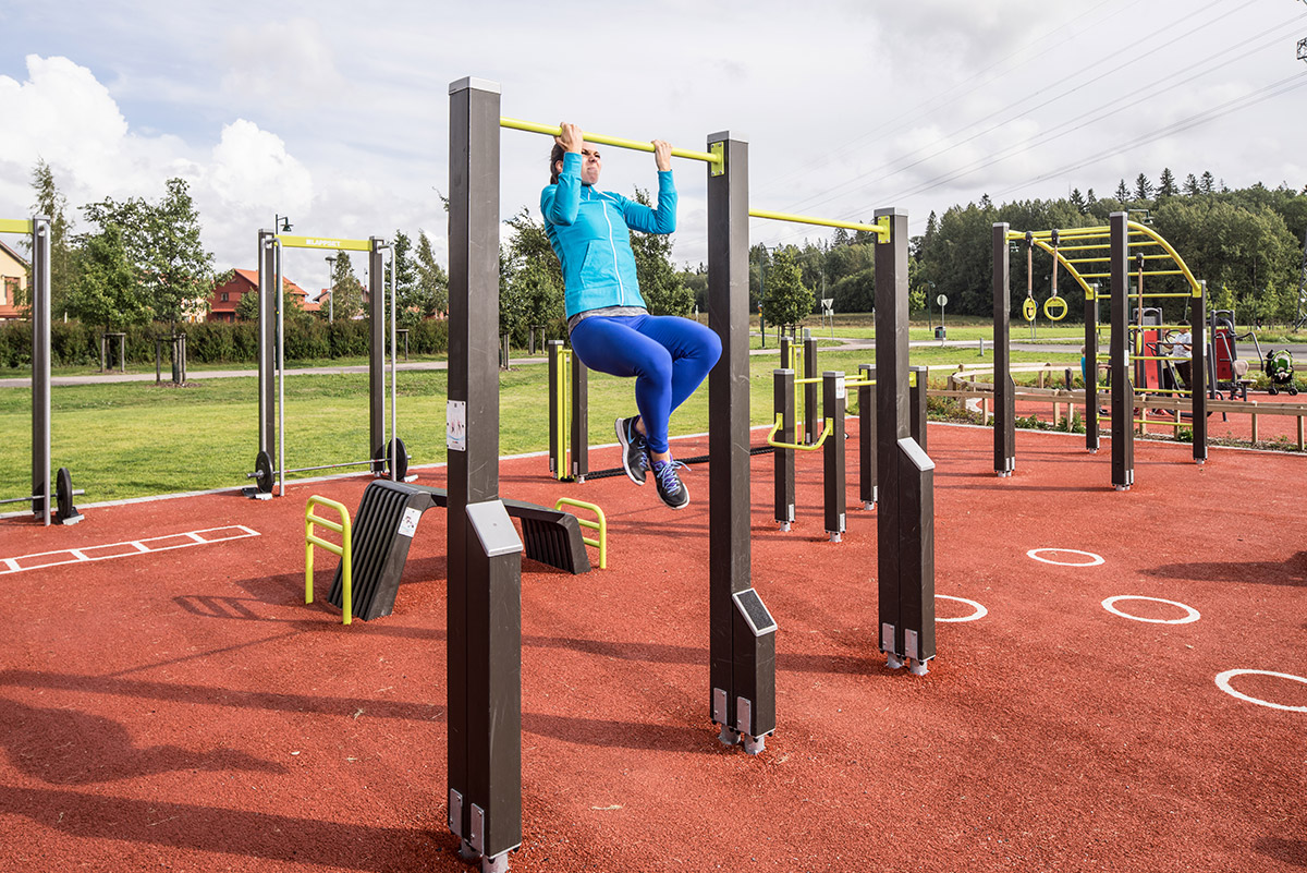 outdoor workout equipment park