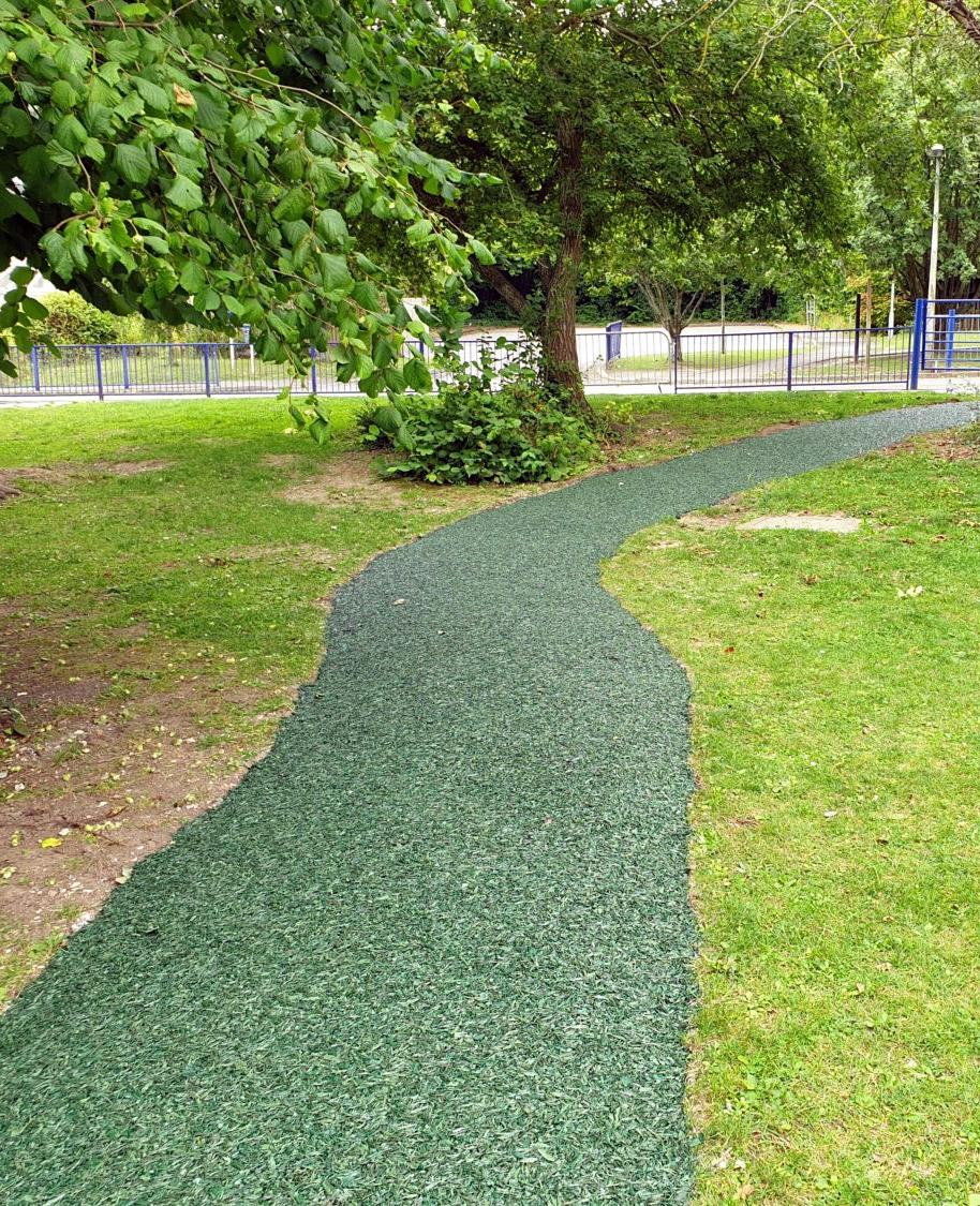 green rubber mulch path