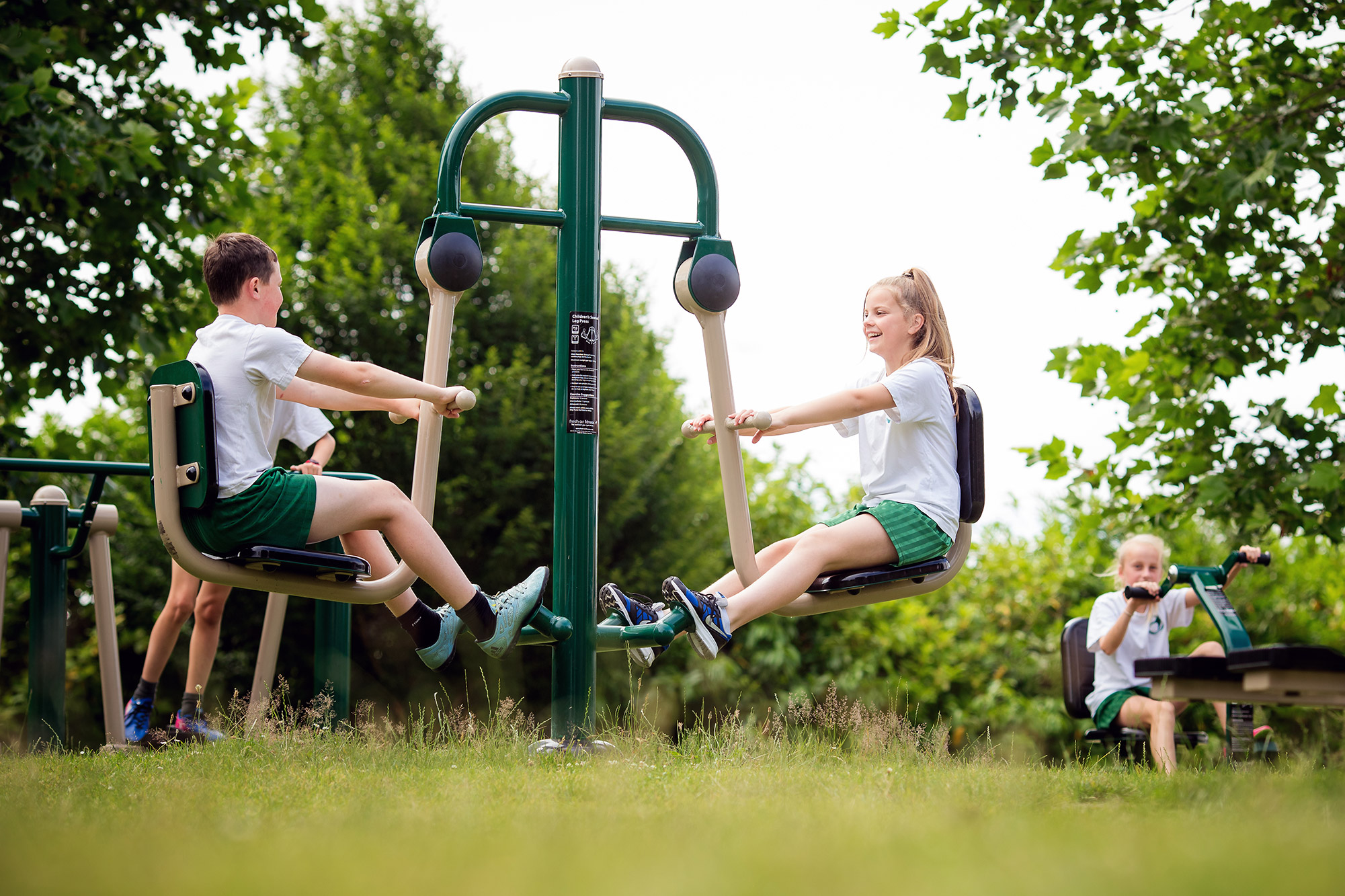 childrens leg press outdoor gym equipment